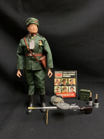 ACTION MAN - RUSSIAN INFANTRYMAN - Auburn Painted Haired - Painted Rivet Figure (Ref 5)